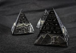 pyramid-1484603_640