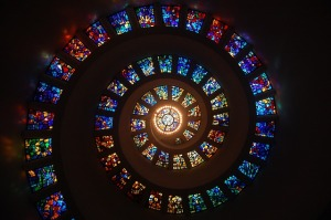 stained-glass-1181864_640